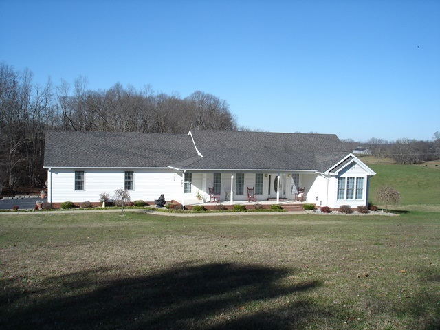 299 Lewis Rd, Smiths Grove, KY 42171