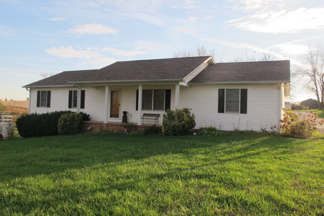 5515 Dripping Springs Rd, Smiths Grove, KY 42127