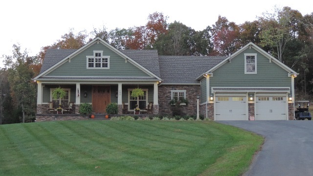 190 Hunters Point Dr, Morgantown, KY 42261