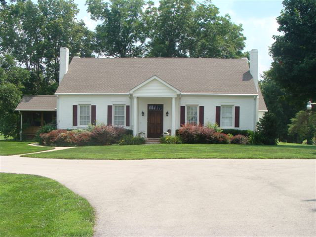 6421 Old Bowling Green Rd, Glasgow, KY 42141