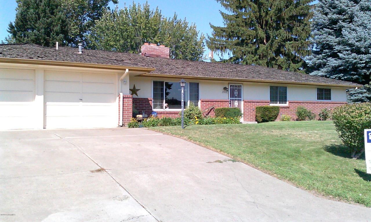3905 Richey Rd, Yakima, WA 98902