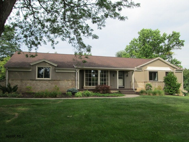 1300 Robin Lane, Duncansville, PA 16635