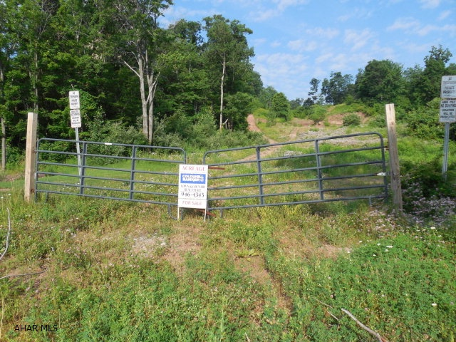 Castle Farm, Altoona, PA 16601