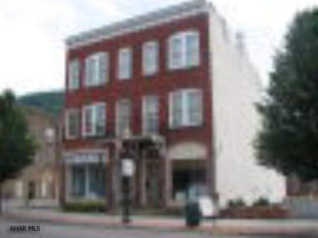 23-25 W. 10th Street, Tyrone, PA 16686
