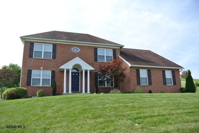 111 Greystone Drive, Duncansville, PA 16635