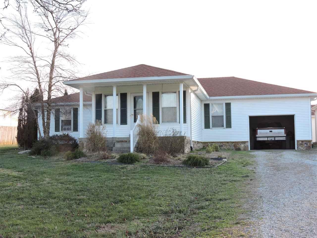 585 Mary Adams Rd, Franklin, KY 42134