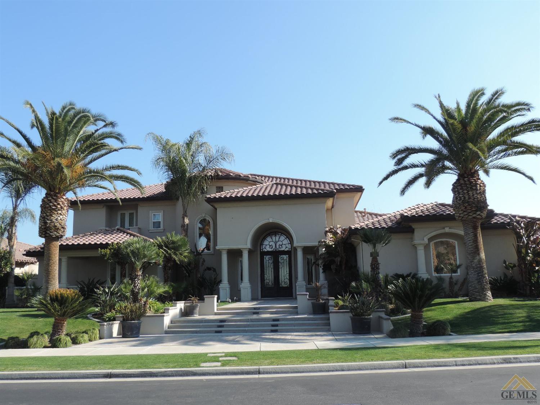 2408 Parkgate Street, Bakersfield, CA 93311