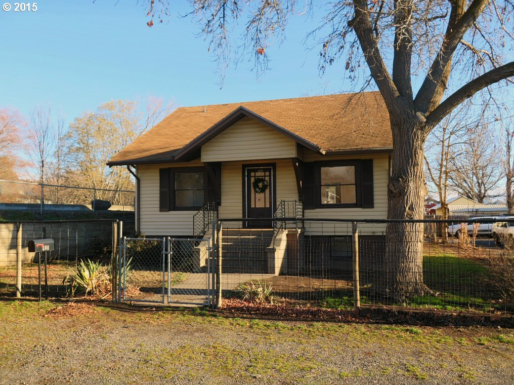 104 SW 9TH, Pendleton, Or, OR 97801