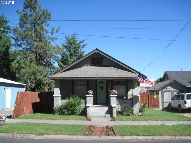 207 SW HAILEY AVE, Pendleton, Or, OR 97801