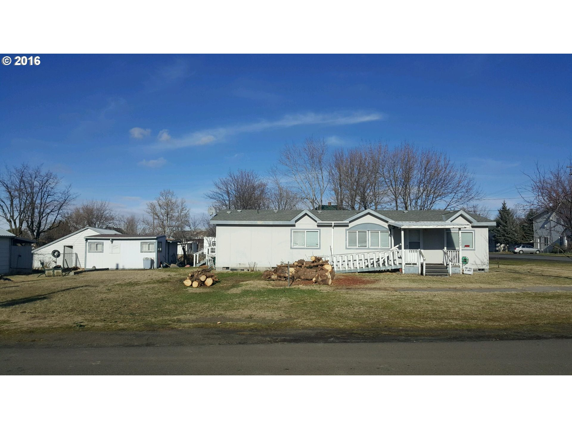 206 3RD ST, Athena, Or, OR 97813