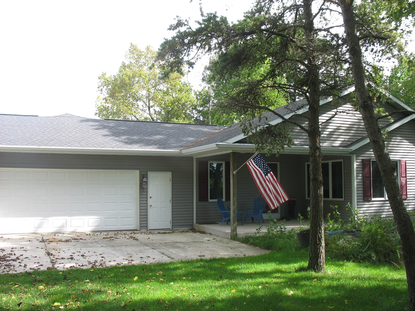 13231 Lakeshore Rd, Two Rivers, WI 54241