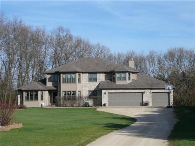 703 Sandy Pines Ct, Redgranite, WI 54970
