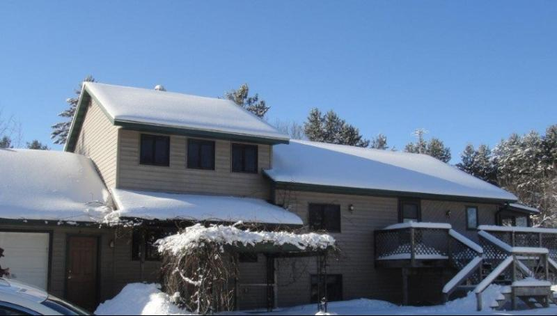 7106 Pine Tree Drive, Almond, WI 54909