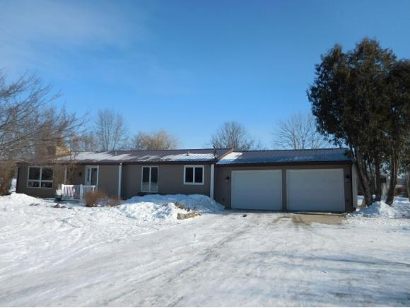 3877 Double Q, Green Bay, WI 54311