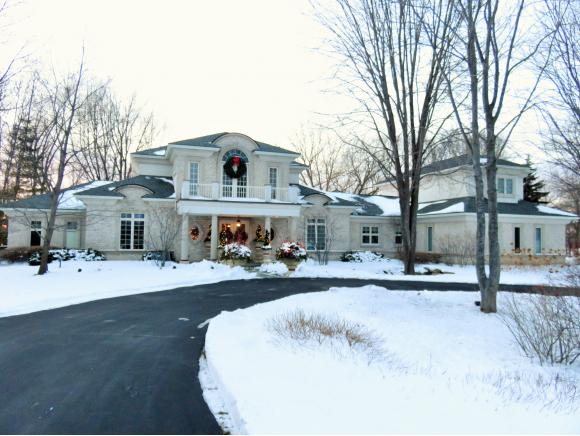 3555 Nicolet Dr, Green Bay, WI 54311