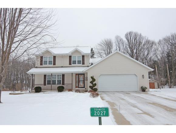 2027 Meadow Heights Tr, Green Bay, WI 54313