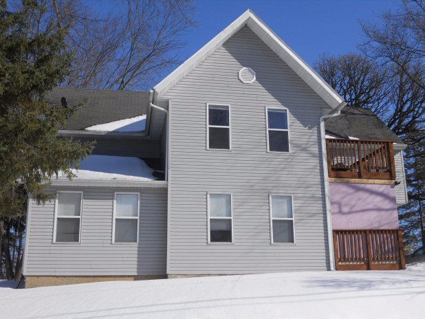 419 Valley St, Horicon, WI 53032