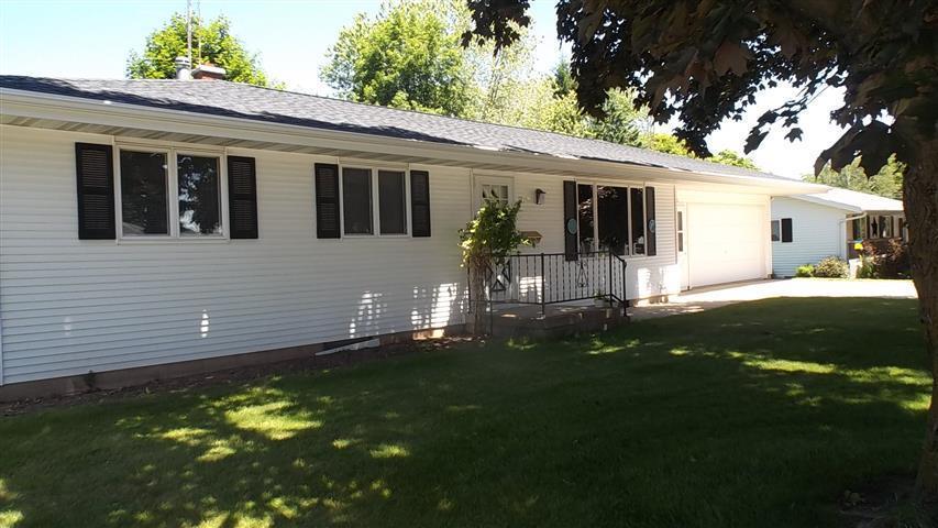 416 Laurel Drive, Francis Creek, WI 54214