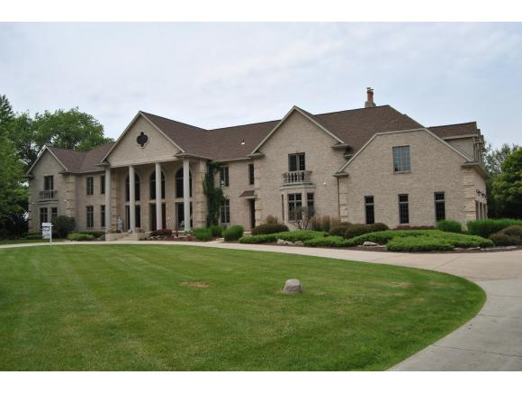 4361 Nicolet Dr, Green Bay, WI 54311
