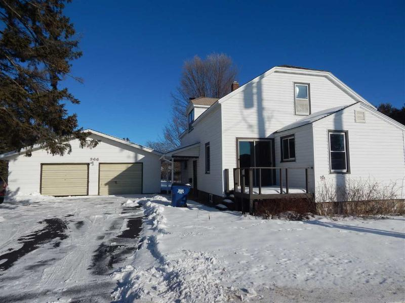 366 W Grand Avenue, Rosholt, WI 54473