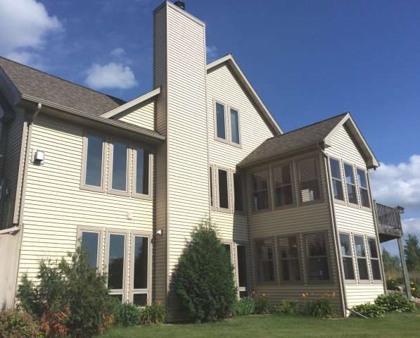 9661 Four Corners Rd, Brussels, WI 54204